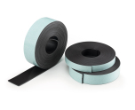 Självhäftande magnetband